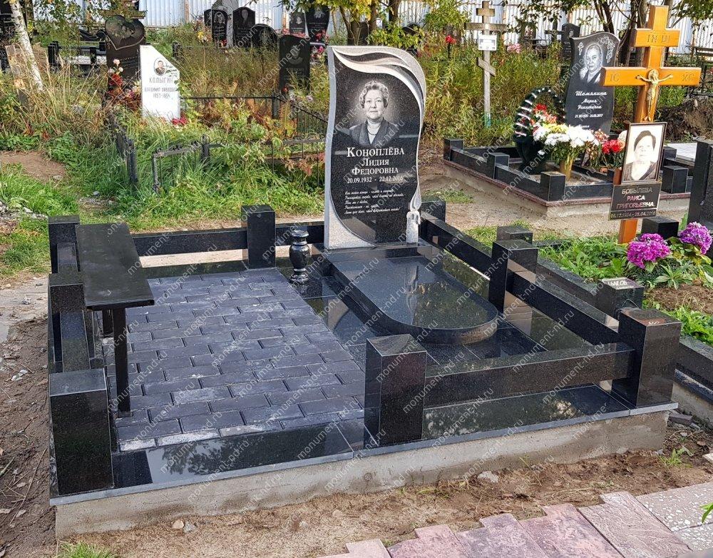 """Мемориальный комплекс НР - 019 """"Под ключ"""" 200х180 см"""