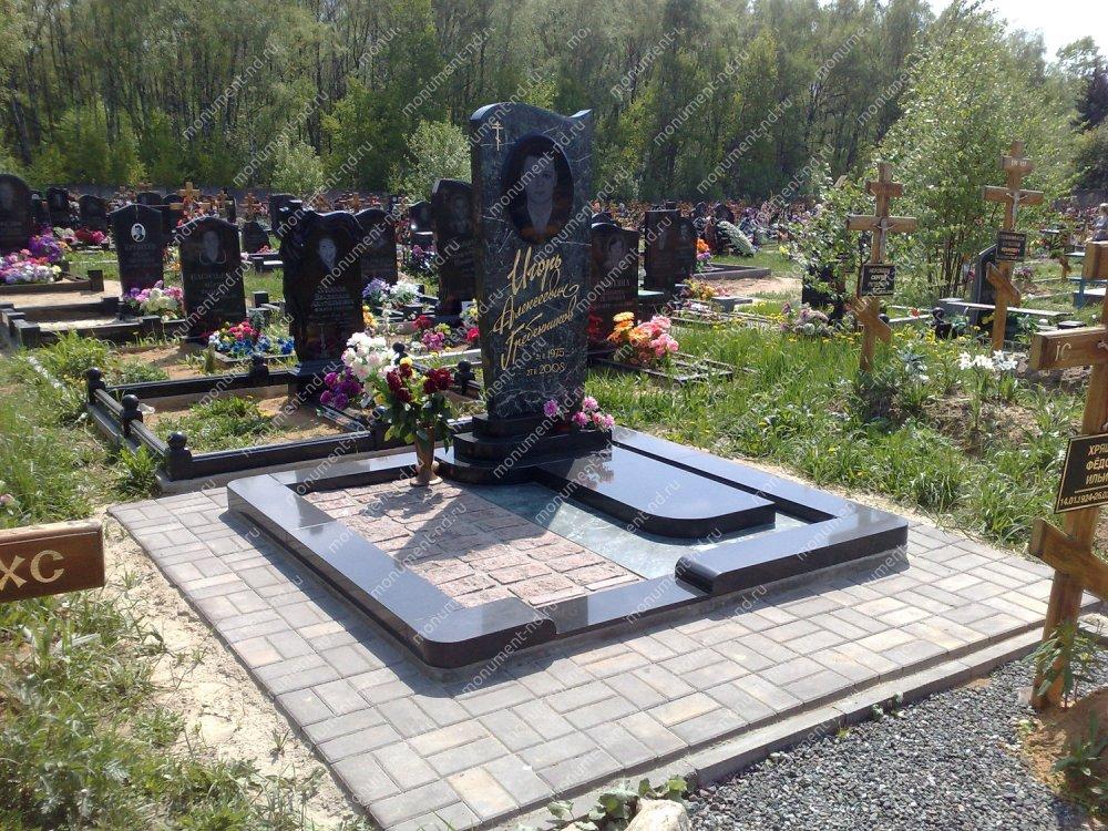 """Мемориальный комплекс НР - 072 """"Под ключ"""" 200х180 см"""