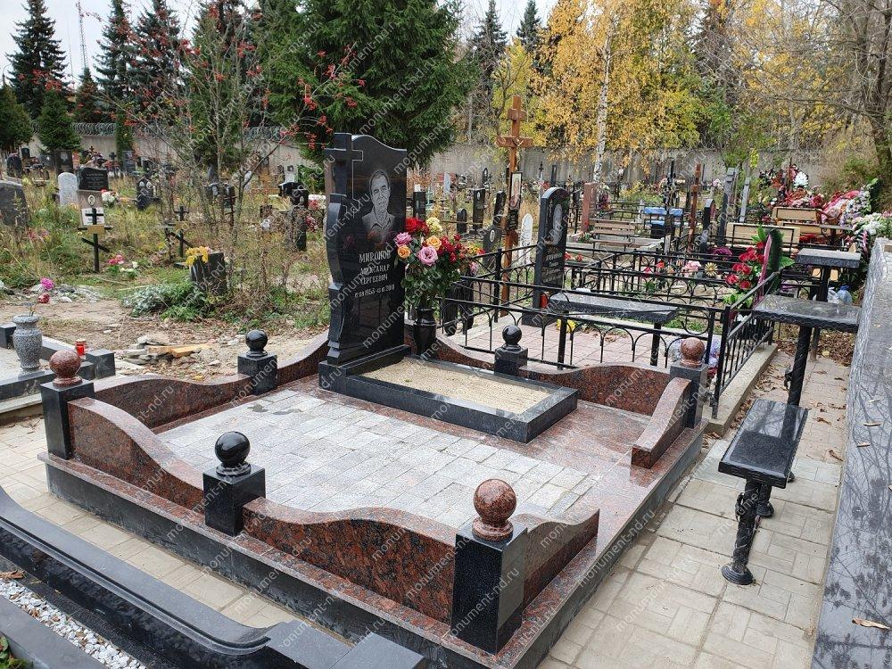 """Мемориальный комплекс НР - 065 """"Под ключ"""" 200х180 см"""