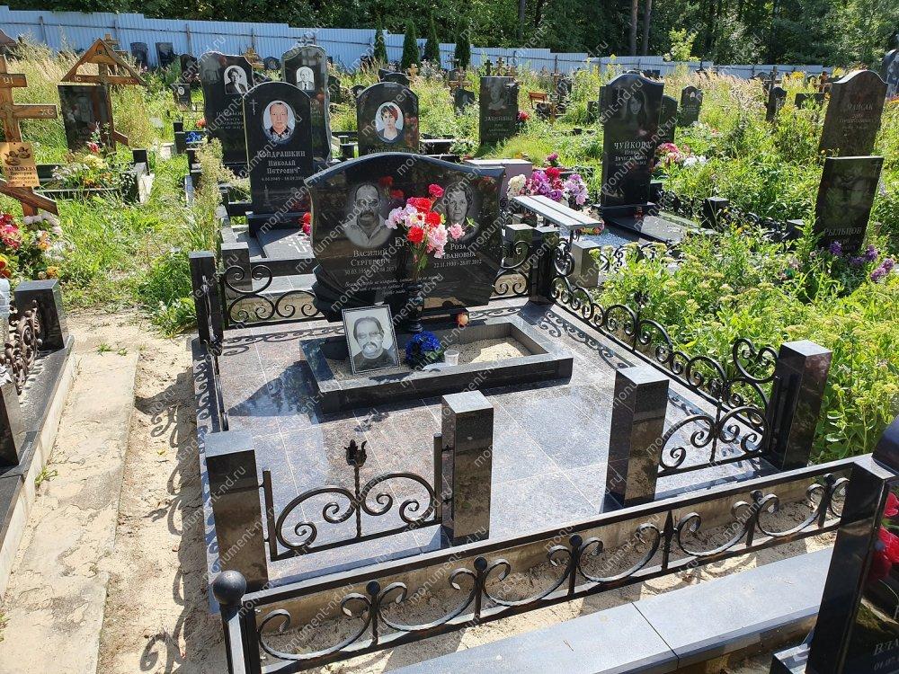 """Мемориальный комплекс НР - 002 """"Под ключ"""" 200х180 см"""