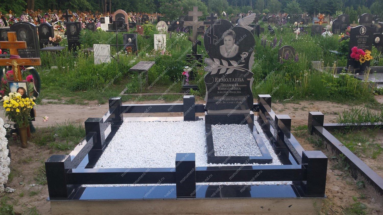 """Мемориальный комплекс НР - 026 """"Под ключ"""" 200х180 см"""