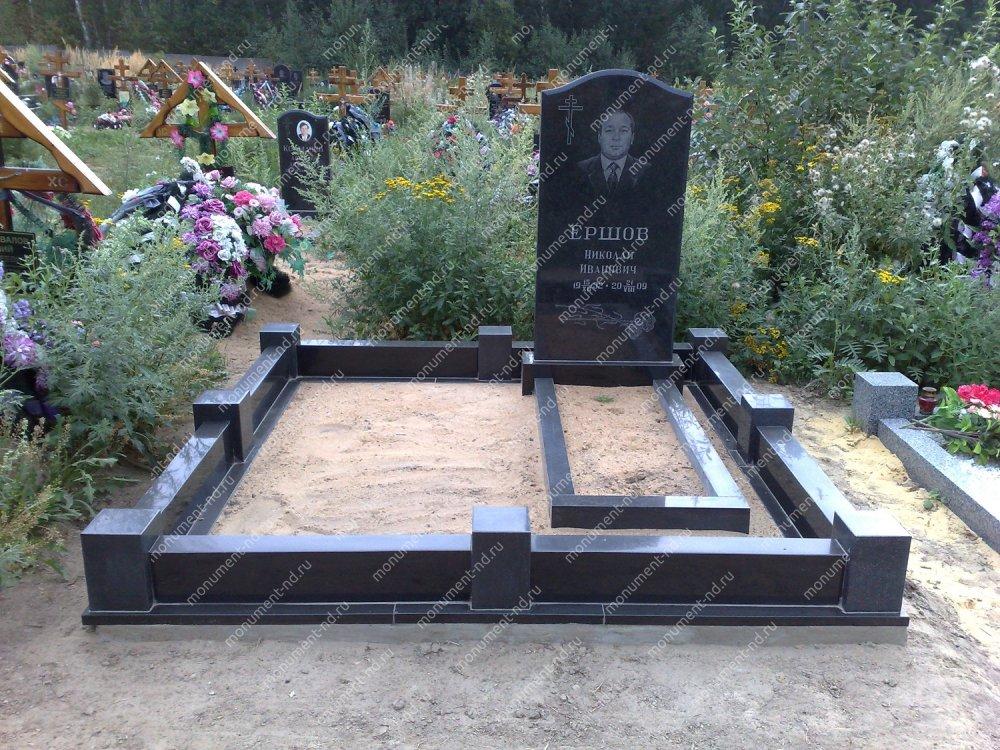 """Мемориальный комплекс НР - 073 """"Под ключ"""" 200х180 см"""