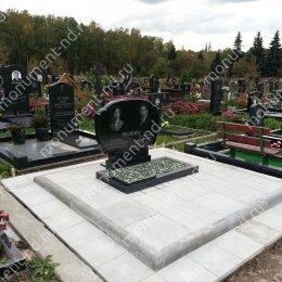 """Мемориальный комплекс НР - 023 """"Под ключ"""" 200х180 см"""