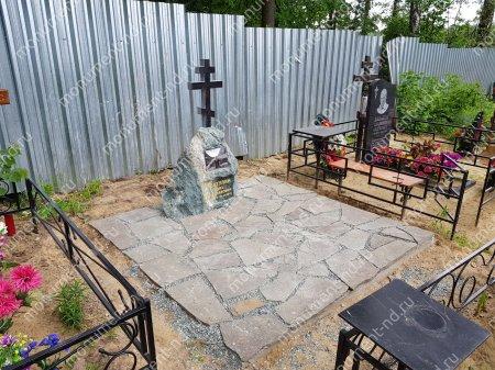 Дикий камень на могилу 2