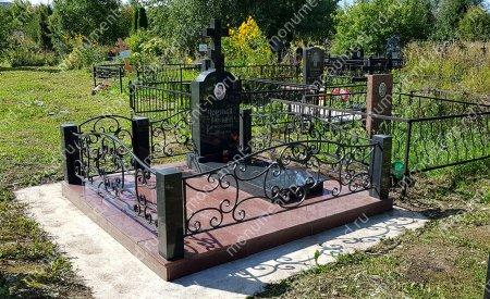 """Мемориальный комплекс НР - 022 """"Под ключ"""" 200х180 см"""