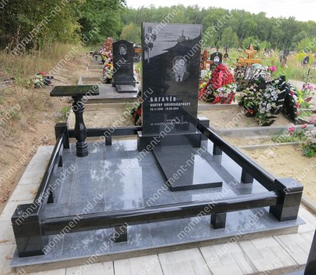 Лавочка  из гранита на могилу Л-014 2