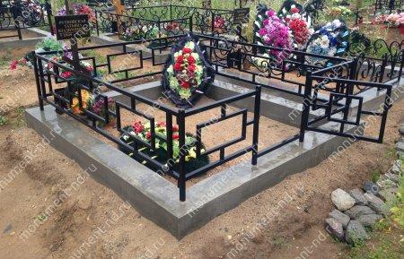 Бетонный цоколь с оградой на могилу БЦО-001 # 3