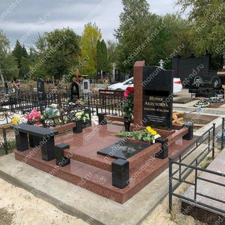 """Мемориальный комплекс НР - 012 """"Под ключ"""" 200х180 см"""