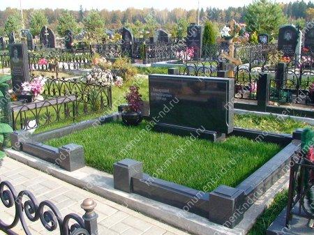 Озеленение на могилу натуральное 3