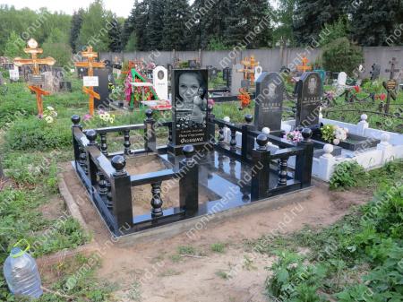 """Мемориальный комплекс НР - 130 """"Под ключ"""" 200х180 см"""