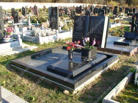"""Мемориальный комплекс НР - 077 """"Под ключ"""" 200х180 см"""
