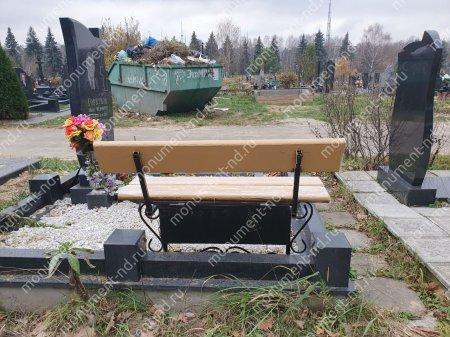Лавочка со спикой и ящиком  на могилу Л-018 3